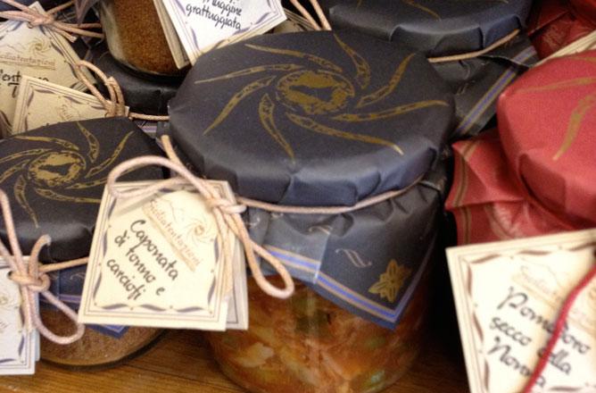 esempi di vasetti con etichetta