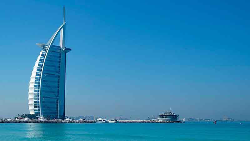 Veduto di uno degli edifici iconici di Dubai